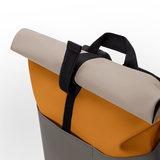 Ucon Acrobatics Lotus Hajo Backpack Mustard/Grey sluiting