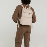 Matt and Nat Brave Purity Backpack Opal model vrouw