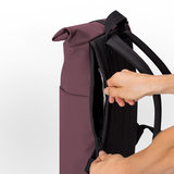 Ucon Acrobatics Lotus Hajo Mini Backpack Eggplant achterkant rits