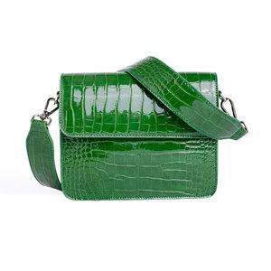 Hvisk Cayman Shiny Strap Bag Green Voorkant
